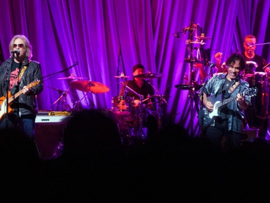 Hall and Oates Open Fillmore; Joaquin Tracks Away; Vatican Pushes Kim Davis Back