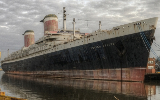 NJ Nurse Reused Syringes on Dozens; Murder of Transgender F a Robbery; SS United States Scrap?