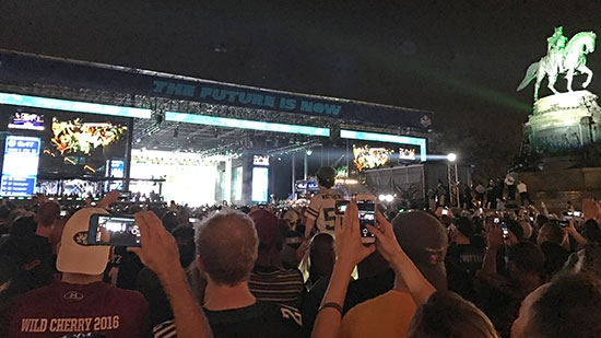 NFL Draft Record 100,000 Fans in Philly; Witnesses Wanted DE Trooper Shooting; Shutdown Averted