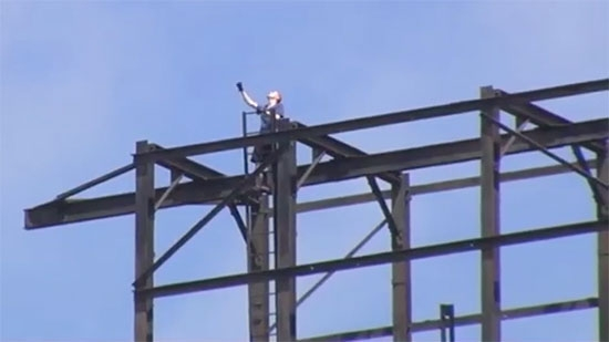 Man Charged for Climbing SteelStacks; Old City Fire/Power Outage; 80yo Fugitive Caught in CO